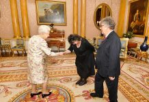 The Queen meeting Paul Muldoon and Poet Laureate Carol Ann Duffy Photo (C) GETTY