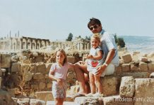 A four-year-old Kate Middleton visits Jerash with her father and 18 mont old sister Pippa Photo (C) MIDDLETON FAMILY