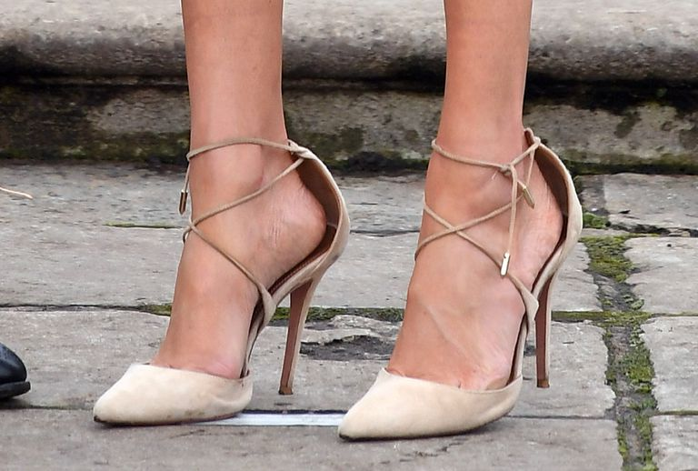 According to fashion expert Harriet Davey, it's likely that Meghan selects the bigger footwear for an important reason Photo (C) GETTY IMAGES