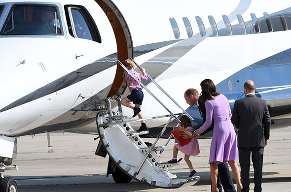 Meghan Markle William and Kate break the rule by travelling with the heirs to the throne Photo (C) GETTY