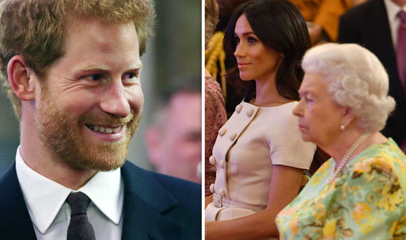 Meghan Markle and the Queen could not help but laughing at Prince Harry's corny joke Photo (C) GETTY