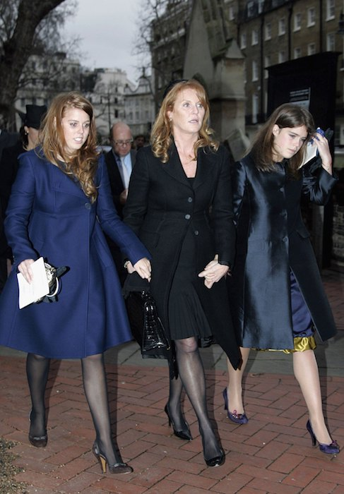 LONDON, ENGLAND - JANUARY 9: Sarah Ferguson, Duchess of York with her daughters Princess Beatrice and Princess Eugenie at a Thanksgiving Service for the life of their close friend James Wentworth-Stanley, 21 year old son of the Marchioness of Milford Haven, at St Paul's Church in Knightsbridge on January 9, 2007 in London, England. (Photo by Tim Graham/Getty Images)