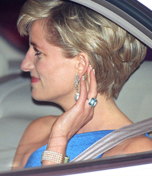 Sophie Countess of Wessex at Ascot Diana aquamarine ring worn by Meghan Markle Photo (C) GETTY