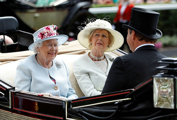 The Queen rode alongside her cousin, Princess Margaret Photo (C) REUTERS
