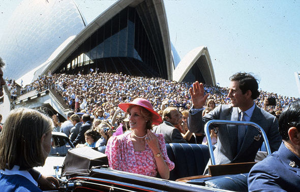 Thousands of fans gathered to greet the couple as they passed Sydney Opera House Photo (C) GETTY