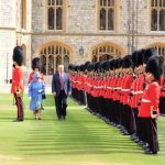 1 The Queen and the President inspect the Guard of Honour, formed of the Coldstream Guards. Photo (C) TWITTER