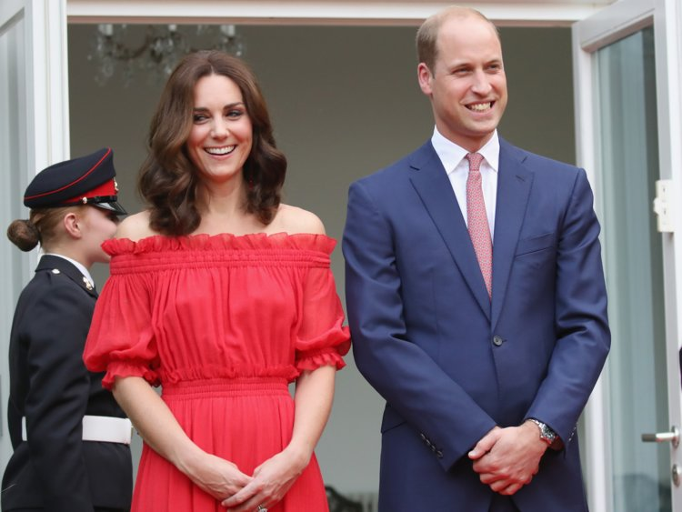 prince william kate middleton not holding hands Photo (C) GETTY