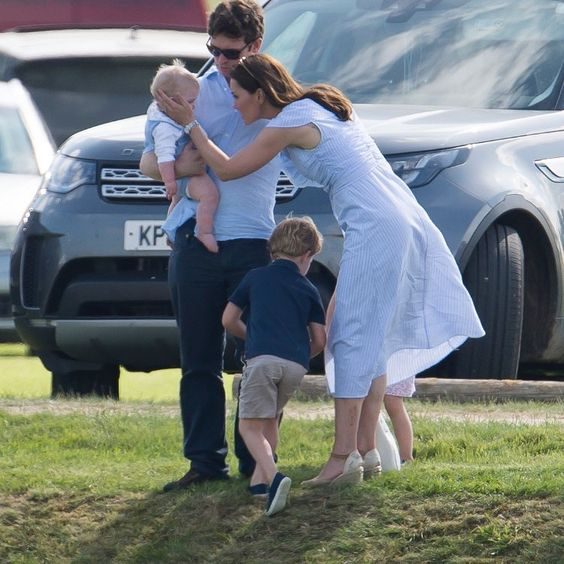 Prince George and Princess Charlotte Photo (C) GETTY