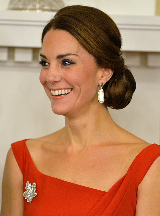 Duchess Kate wore Soru earrings in 2016 on a visit to Canada Photo (C) GETTY