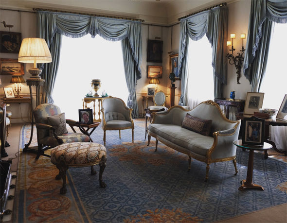 Prince Charles' Morning Room in Clarence House is still decorated to the taste of the Queen Mother Photo (C) CLARENCE HOUSE