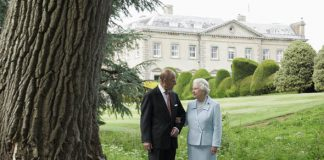 The Queen and Prince Philip visited Broadlands Estate in 2007 to mark their diamond anniversary Photo (C) GETTY