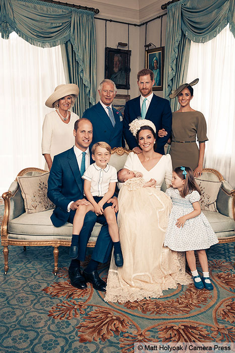 The Queen makes appearance with royal family in Prince Louis' christening photos – did you notice Photo (C) GETTY