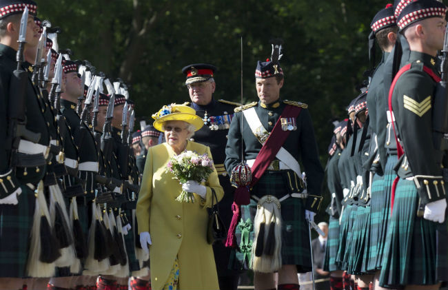 The Queen recieved a warm welcome to Edinburgh Photo (C) GETTY