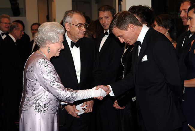 Why you should never ask to shake a royal's hand Photo (C) GETTY