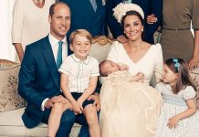 While we've all been obsessing over the amazing official portraits from Prince Louis's christening