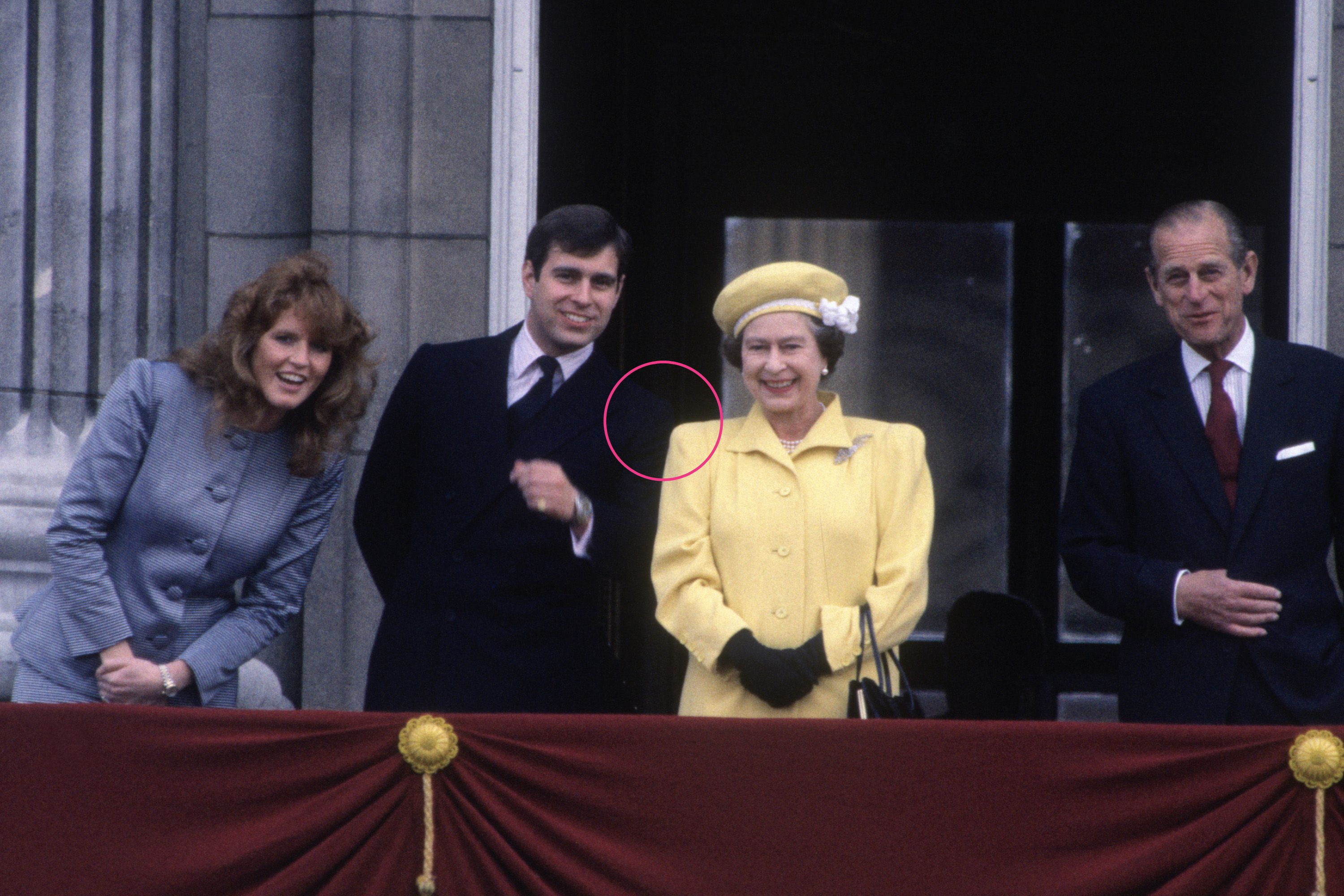 Body Language Experts Analyze Queen Elizabeth's Relationship With Her Children PhoBody Language Experts Analyze Queen Elizabeth's Relationship With Her Children Photo (C) GETTYto (C) GETTY