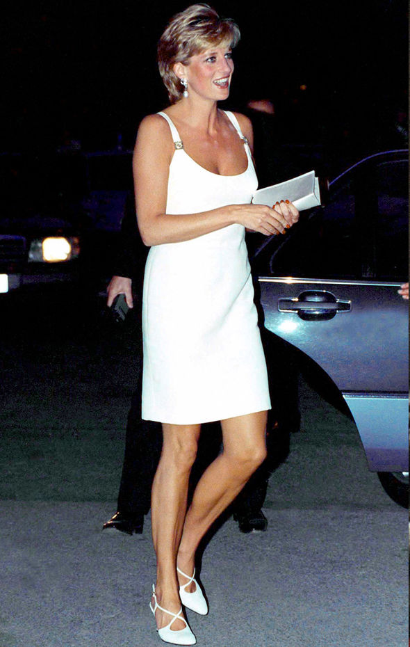Princess Diana Dress was make of ivory silk and taffeta and was finished with a 153-yard tulle veil (Image GETTY)
