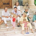 Princess Diana and her family pictured in 1987 with the Spanish royals Photo (C) GETTY IMAGES