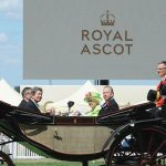 Sarah Ferguson and Princess Beatrice curtsied as the Queen carriage arrived at Ascot (Image GETTY)