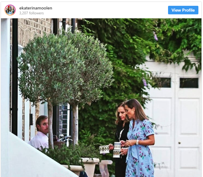 The 34-year-old and husband James, 42, chatted with David Matthews, 74, and wife Jane, 71, outside a mews home in West London Photo (C) INSTAGRAM