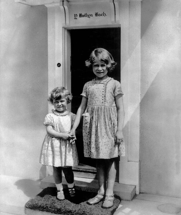 The Queen Poses With Her Younger Sister Princess Margaret Image