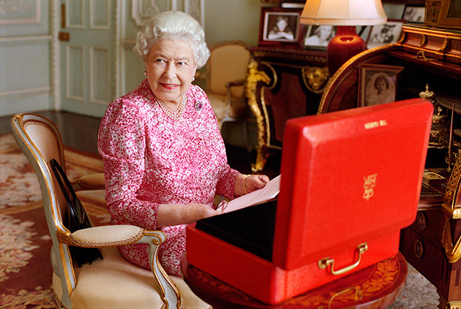 The Queen reads letters from the public every day Photo (C) GETTY