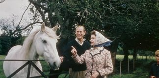 The married pair visit a farm on the Balmoral estate, 1972 (Image GETTY IMAGES)