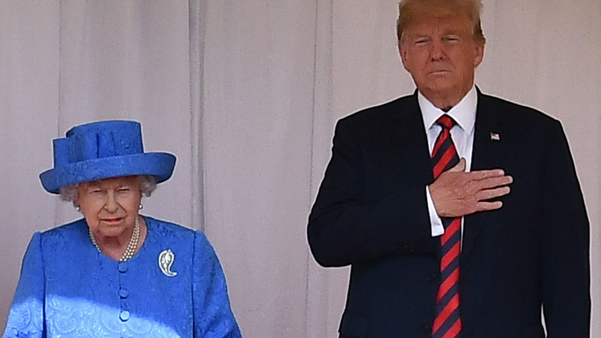 We know the Queen has a subtle way of sending out signals with her sartorial choices. Like this is how to tell when she's bored of you Photo (C) GETTY
