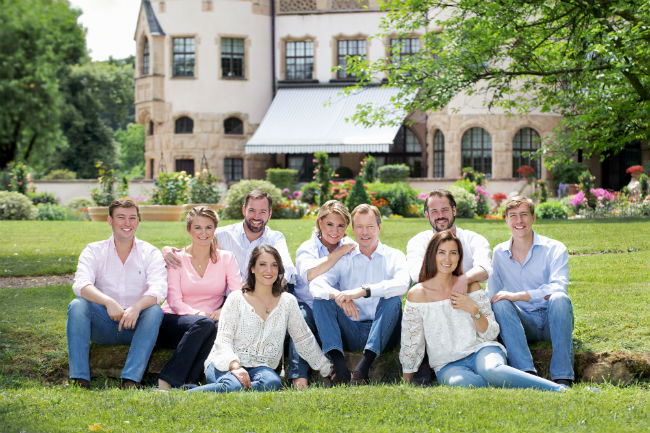The Luxembourg royal family posed in jeans © Grand-ducal court Lola Velasco Photo (C) GETTY