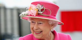 The Queen has been without an official bagpipe player for over a month (Image GETTY)