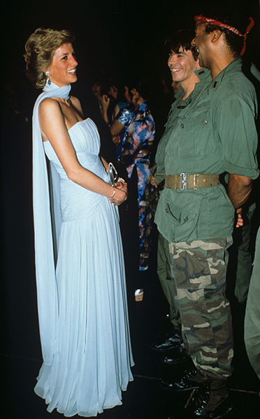 princess-diana-attends-miss-saigon