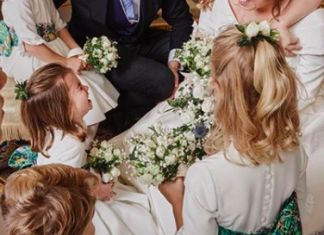 02 Princess Eugenie has released a new wedding pic and just LOOK at Charlotte Photo C INSTAGRAM
