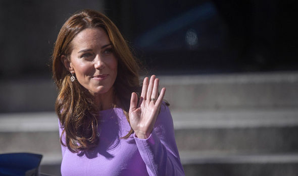 Kate waved to the crowds as she arrived to discuss mental health Image PA