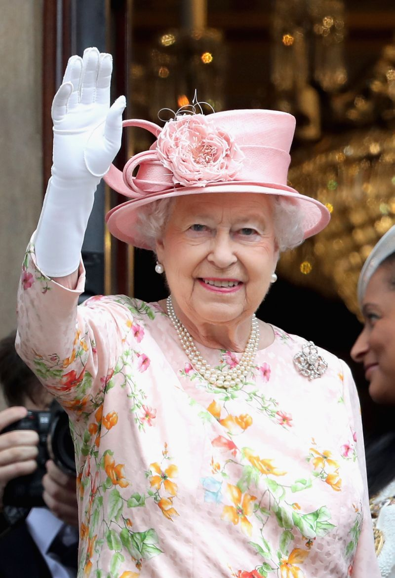 The Queen has a fake hand she was gifted. Photo Getty Images