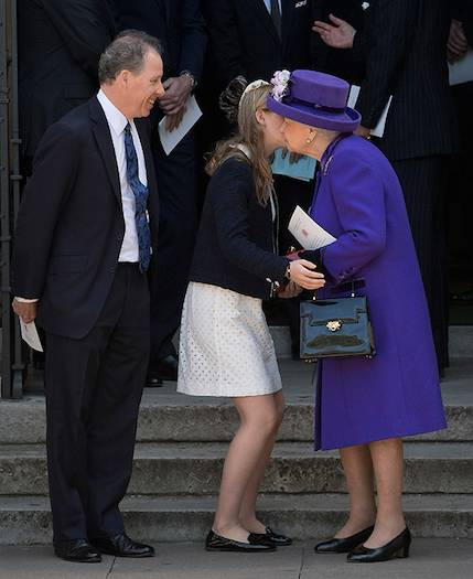 05 The heartwarming times the Queen has received a kiss from members of her family