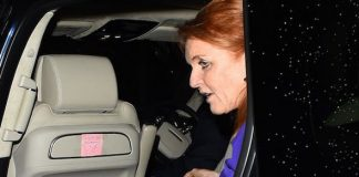 1 The touching note could be seen in the Duchess of Yorks car as she headed on night out Image SPLASH NEWS