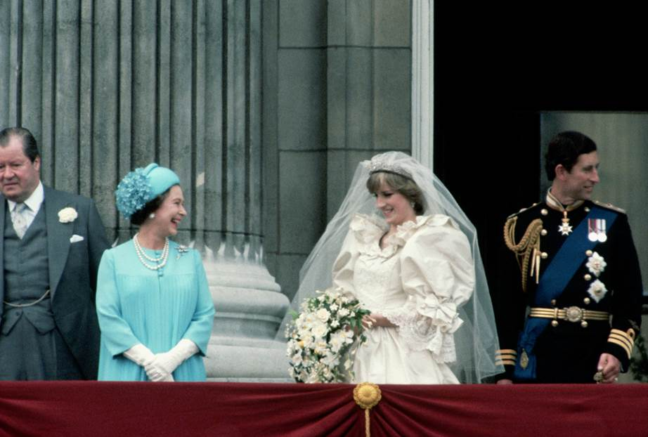 15 Wed be amused by all those royal fanatics too The Queen and Diana shared a chuckle on the balcony Image Getty