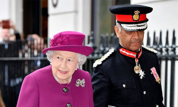 The Queens jacket had a bow tie at the waist Photo C GETTY