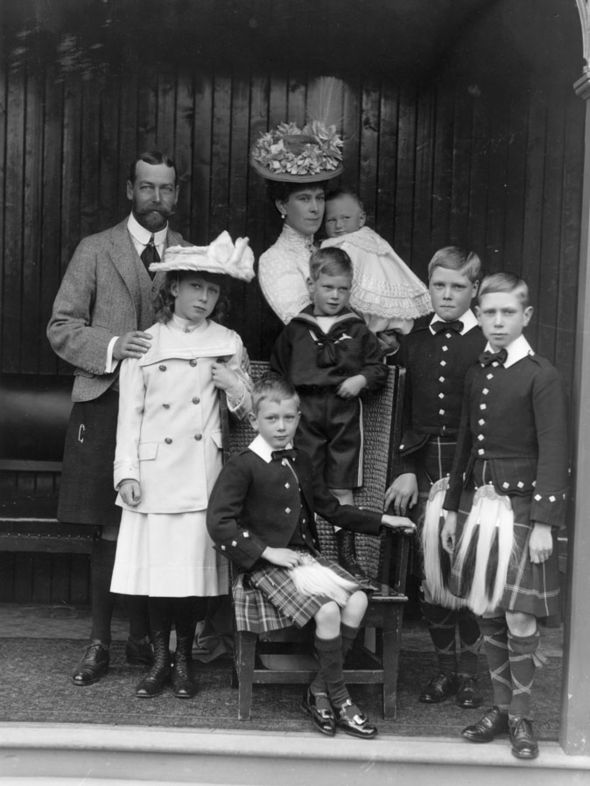 A royal family group during a visit to Abergeldie circa 1906 Image Getty