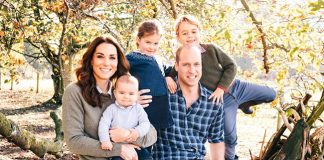 Kate Middleton Prince William and children surprise in jeans for adorable 2018 Christmas card Photo C GETTY IMAGES 01