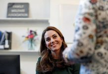 Netizens felt that Kate Middleton didn't really improve eight years after joining the royal family. Pictured: Middleton looks toward a counsellor while she takes part in a role-play exercise during her visit to a new national support line at the charity, Family Action on Jan. 22, 2019 in Lewisham, England. Photo: Getty Images/Adrian Dennis