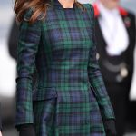 The-Duchess-of-Cambridge-wore-Princess-Dianas-earrings-on-her-outing-in-Dundee-yesterday -She-looked-elegant-in-the-diamond-and-sapphire-clusters-which-she-wore-with-a-tartan-coat