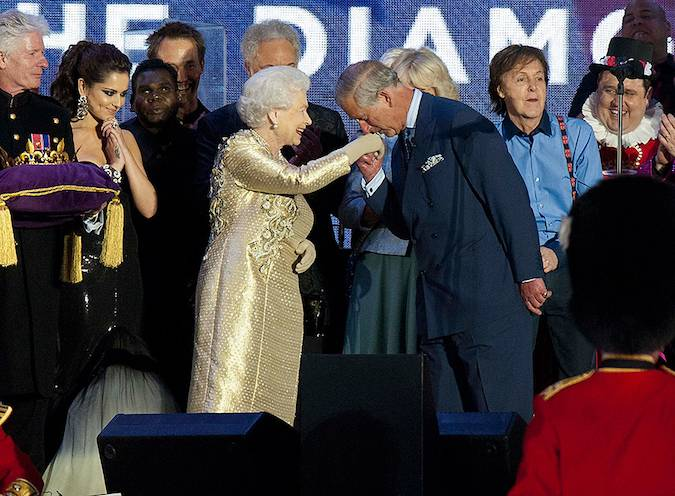 kate middleton kisses the queen Phto C GETTY