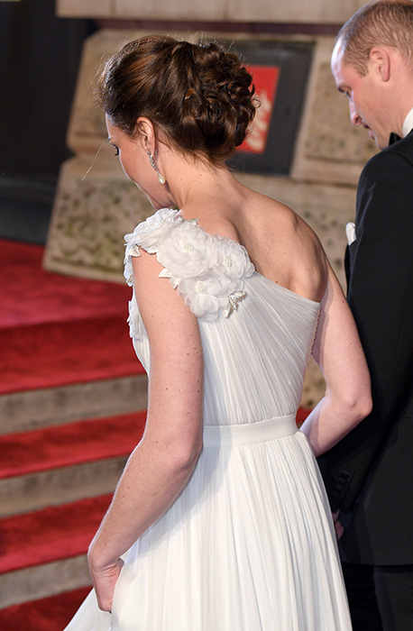 A closer look at the back of Kates bespoke gown Photo C GETTY IMAGES