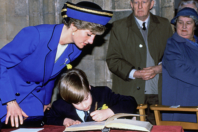 Diana was on hand to show her son the ropes Photo C GETTY IMAGES