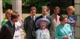 Prince Philip took cues from Prince Philip on how he treated Princess Diana and Sarah Ferguson. Pictured: Prince Andrew, Ferguson, Lord Linley, Prince Edward, Prince Charles, Princess Diana, Queen Elizabeth II and Queen Mother outside Clarence House on Aug. 4, 1989 in London. Photo: Getty Images/John Eggitt