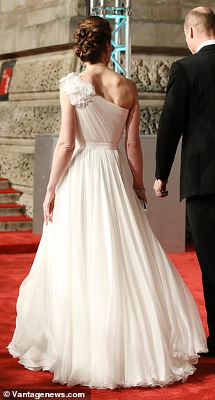 The Duchess stole the show when arriving at London s Royal Albert Hall on Sunday evening