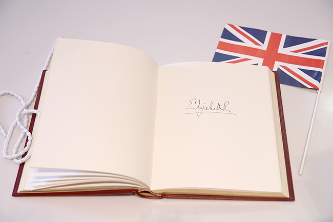Heres why the Queen has two very different signatures Which do you prefer Photo C GETTY IMAGES