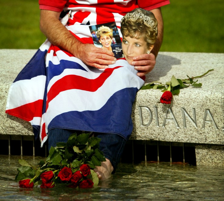 John Loughrey sits round the Princess Diana Memorial Fountain as it re opens to the public August in Londons Hyde Park Photo C GETTY IMAGES