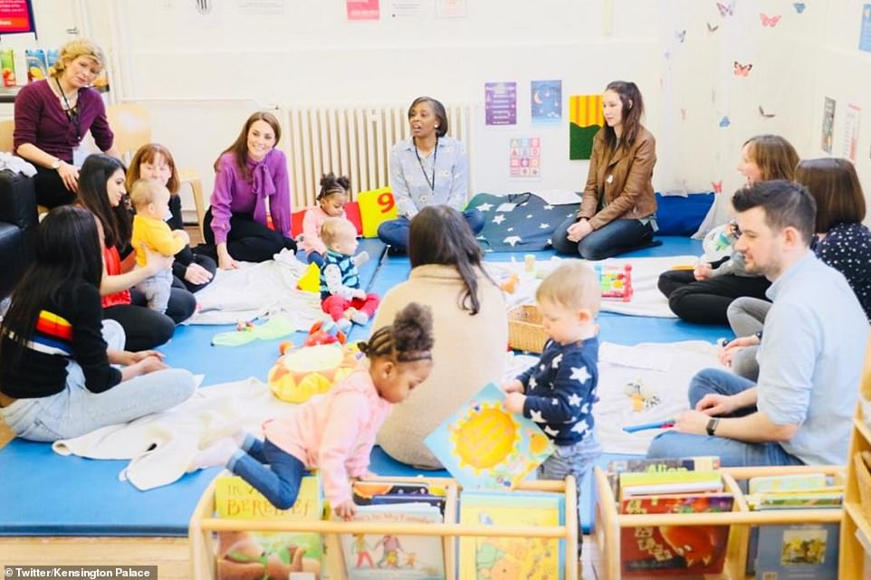 Kate joined parents and their children aged between and four for the circle session at the Lambeth childrens centre